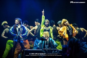2ne1_live_concert_2012_new_evolution-5828